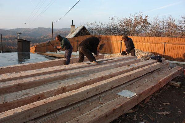 drevena-stodola-tradicnou-tesarskou-technikou-02BAD465A2-F8BC-3074-B2B7-2D5BAEE1F6BA.jpg