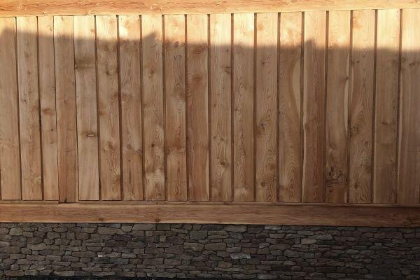 drevena-stodola-tradicnou-tesarskou-technikou-2474E9BAFA-0DA1-45BE-345E-1D41325273BE.jpg